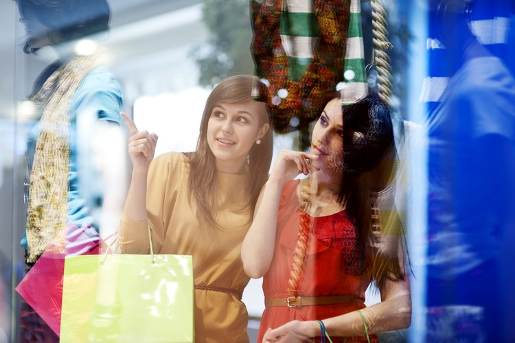 Comprar inteligentemente, prestando atención a los precios, ayuda a tu billetera y a tu armario.