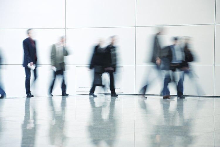 La distancia pública se define como cualquier cosa que sobrepase los 12 pies (360 cm).