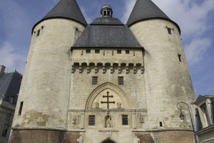 Incluso las puertas de la antigua ciudad de Nancy son monumentales.