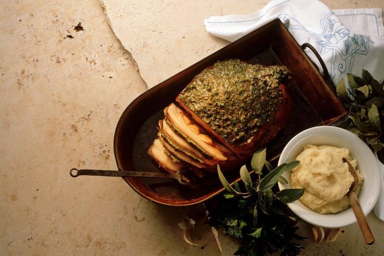 Un inyector de sabor aumentará el sabor y la jugosidad de la carne de cerdo asada.