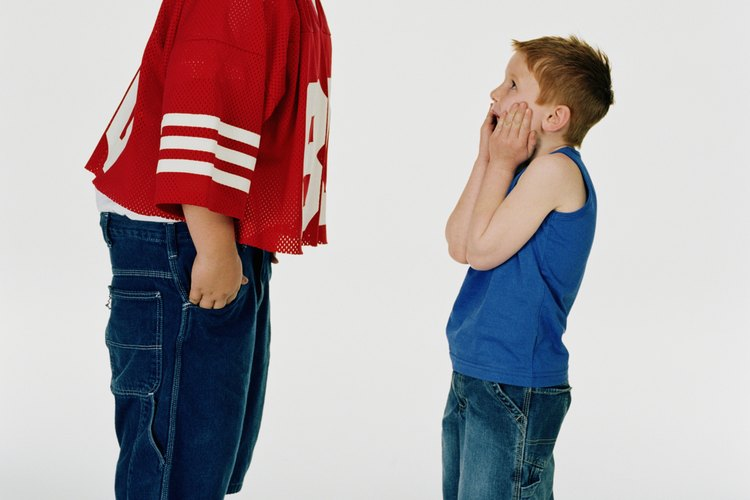 El comportamiento dominante suele venir en forma de abuso físico debido a las diferencias de tamaño.