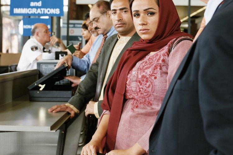 Las políticas de inmigración en Estados Unidos se relacionan principalmente en cuanto al país con la inmigración legal, que no es una fuente de muchos problemas.