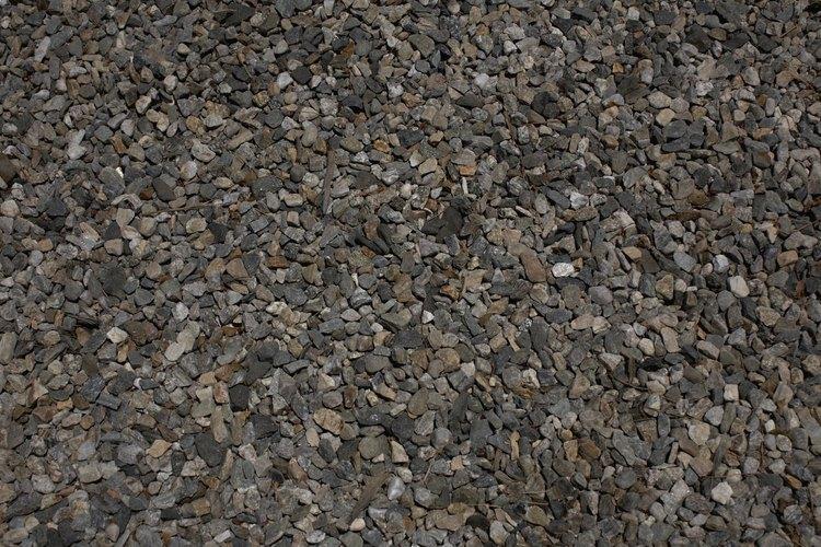 La grava de ensenada es de uso frecuente para la pavimentación de calzadas en las zonas rurales y para los senderos en los jardines.