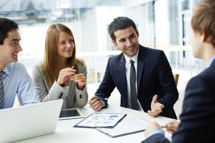 Los modelos organizativos basados en equipos permiten a los diferentes departamentos comunicarse libremente.