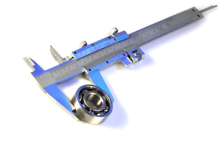 Si ya tienes un tubo para trabajar, utiliza un calibrador para medirlo.