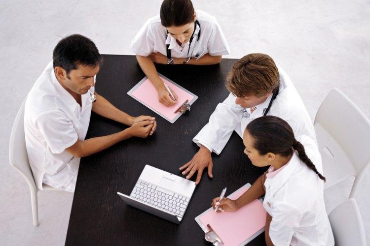 Tienden a estar en una jerarquía superior en la escala salarial de la enfermera.