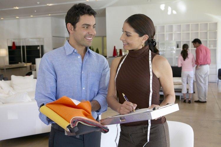 El ingeniero de ventas debe tener un amplio conocimiento sobre el producto y las funciones del mismo.