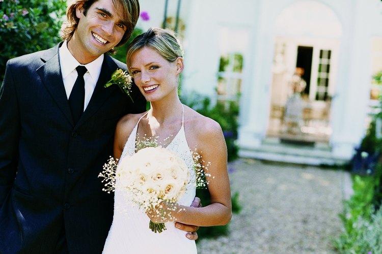 Diviértanse en su noche de bodas.