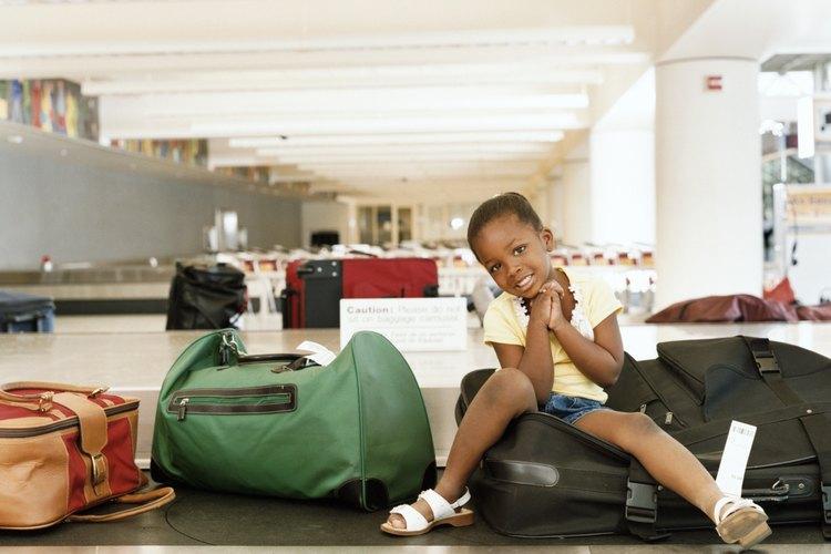 Llega al aeropuerto con una u dos horas de anticipación, no dejes a tu hijo esperando.