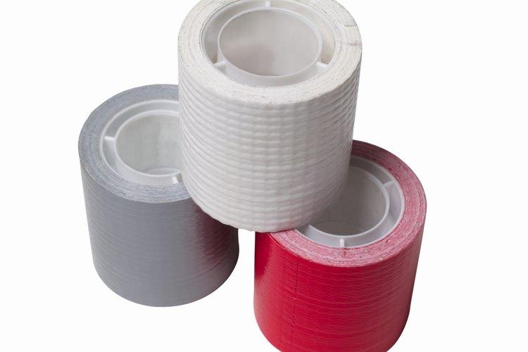 Usa una cinta de embalar de color vivo.