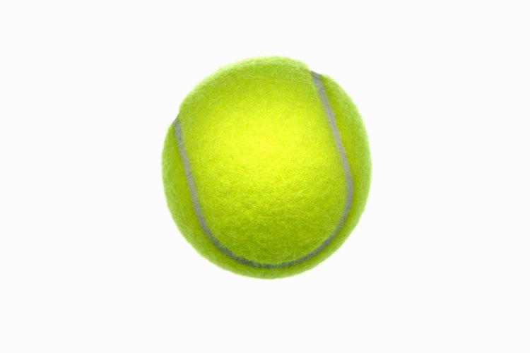 Intenta colocar una pelota de tenis en el centro de sus croquetas secas.