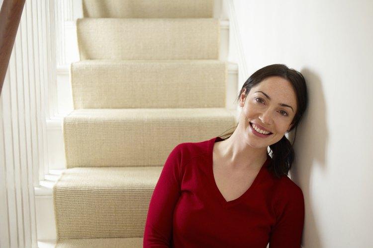 Mejora la durabilidad y el valor estético de las escaleras de tu casa con una cubierta.