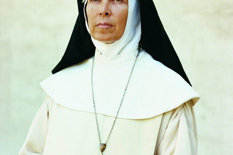 Los requisitos para las monjas dependen de la comunidad religiosa.