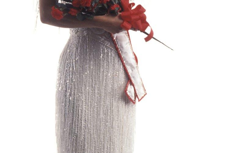 Los vestidos para certámenes de belleza están hechos de materiales delicados y llamativos que requieren cuidados especiales.