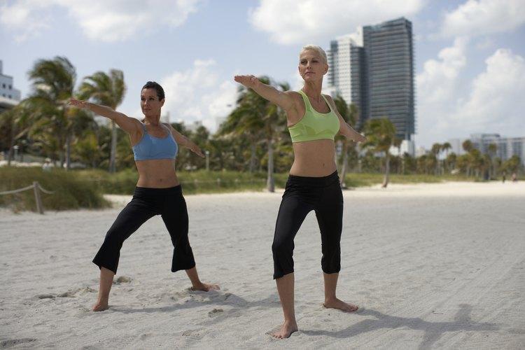 Los instructores de yoga ganan más dinero en la enseñanza privada.