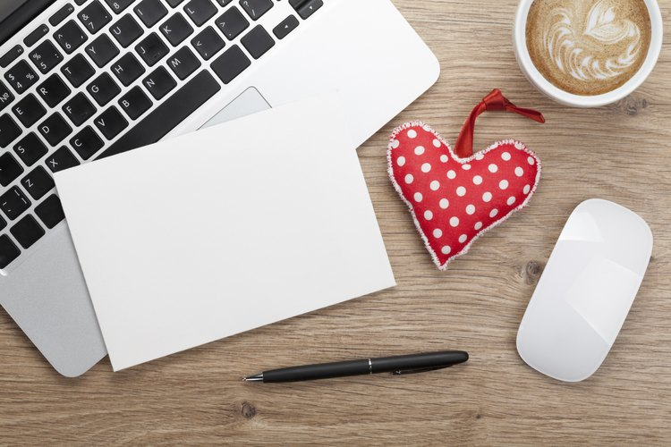 Escríbele una invitación romántica a tu marido.