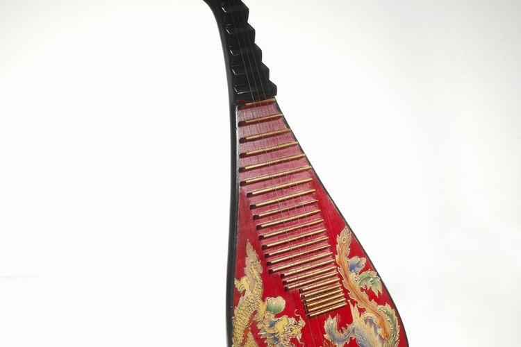 Un concepto de diseño particularmente divertido de materializar puede ser comprar o crear un disfraz de instrumento musical.