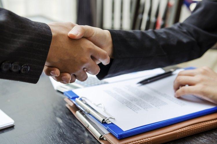 Estos son algunos de los términos importantes que debe contener tu contrato como niñera.