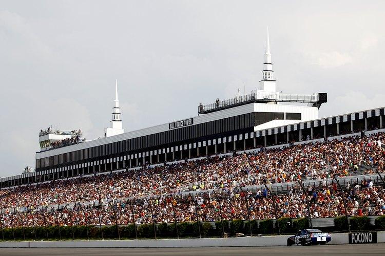 La pista de carreras Pocono organiza dos carreras anuales en la NASCAR Sprint Cup Series.