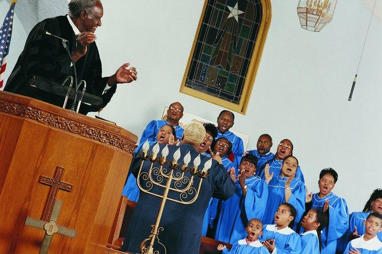 Los niños pueden participar de forma activa en muchos servicios de alabanza y adoración.