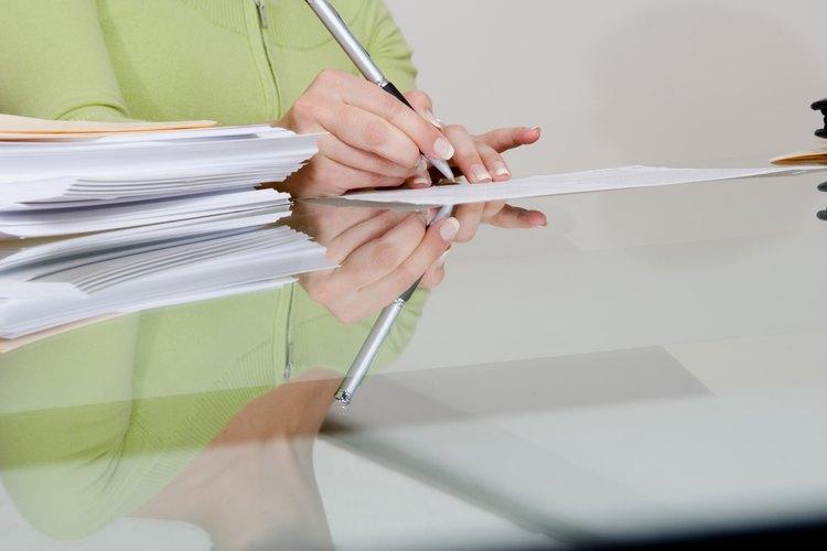 Las cuantas de cheques pueden ser sostenidas en fideicomiso.
