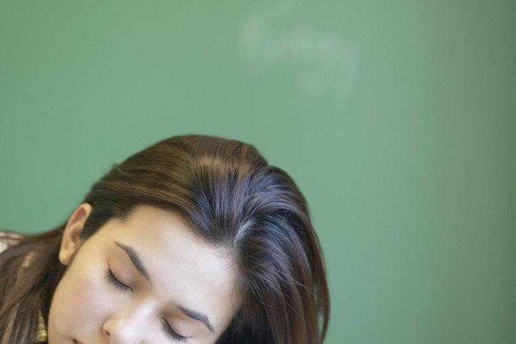 Los adolescentes que tienen insomnio pueden quedarse dormidos en clase.