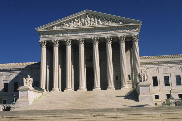 La Suprema Corte de los Estados es un ejemplo de la orden corintia.