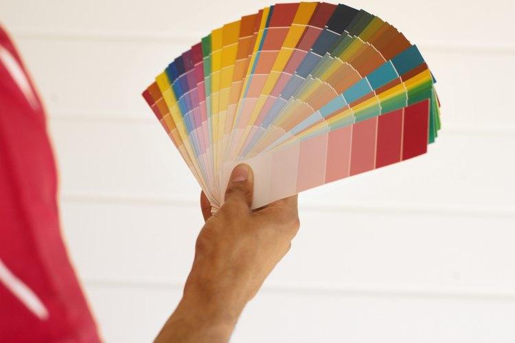 Las pinturas de brillo medio a alto son las pinturas más comúnmente usadas en casas con niños o con mucha actividad.