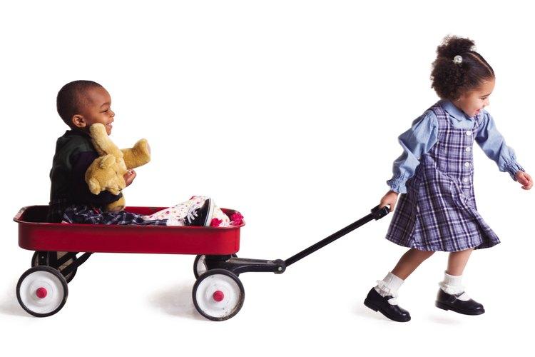 Incluso los niños pequeños pueden empezar a aprender los fundamentos del respeto.