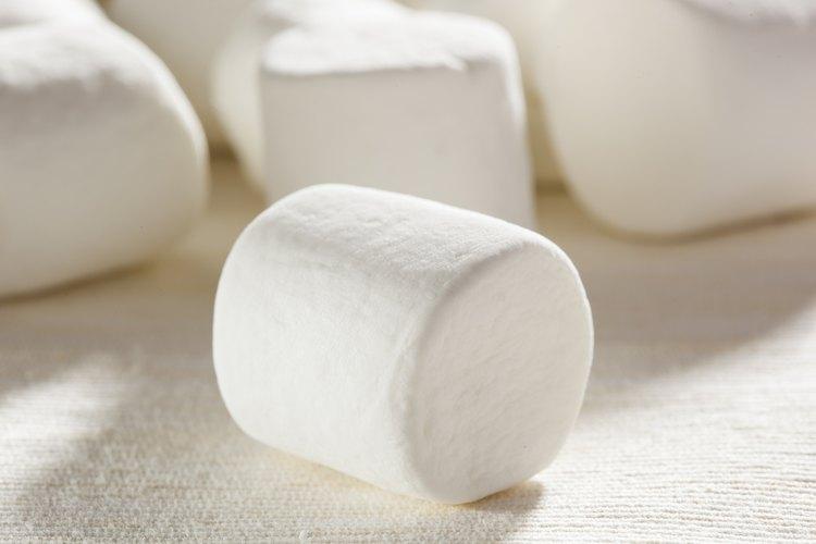 Los malvaviscos derretidos son usados para hacer galletas de barra, pasta de azúcar, helados, caramelos y otros dulces.