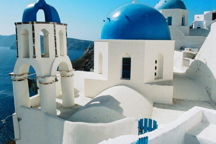 El verano es la época más cara para viajar en crucero por Grecia.