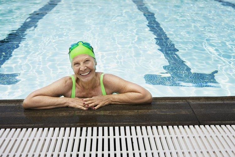 Mide el pH de tu piscina.