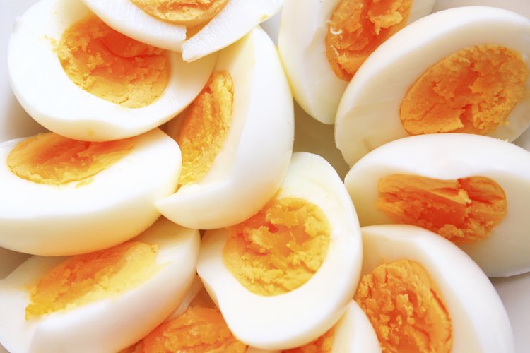 Cuánto tiempo se tarda para hervir unos huevos.