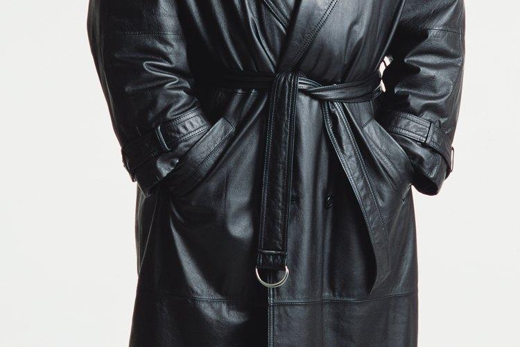 Tu abrigo de cuero puede quedar sin arrugas y listo para usar.