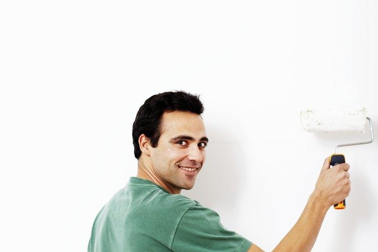Agrega una capa de látex blanco o pintura acrílica.