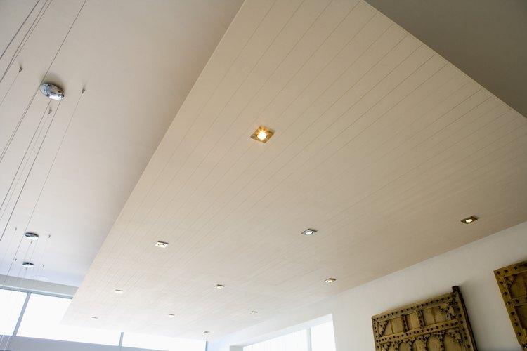 Existen diferentes modelos de lámparas empotrables para que elijas los que combinen con tu decoración.
