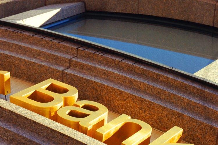 Los bancos son de emisión, especializados o comerciales.