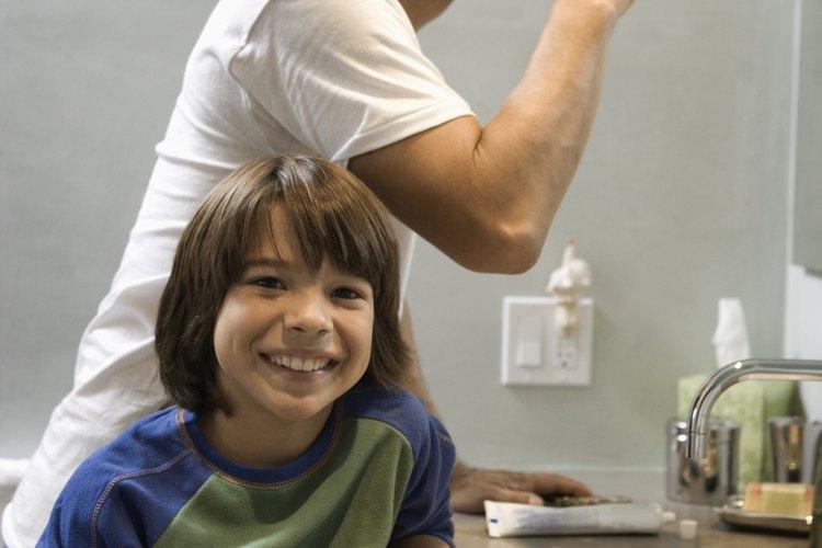 La higiene personal del niño lleva un entrenamiento paciente.