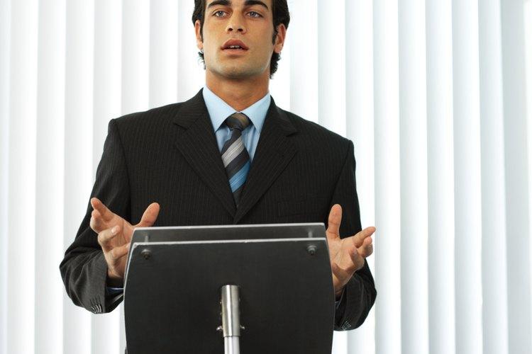 Un discurso de entretenimiento es bien visto en una cena con amigos o incluso en la empresa.