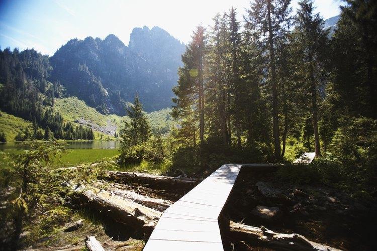 Las tierras públicas BLM del estado de Washington tienen muchos usos, incluyendo recreaciones como senderismo y campamento.