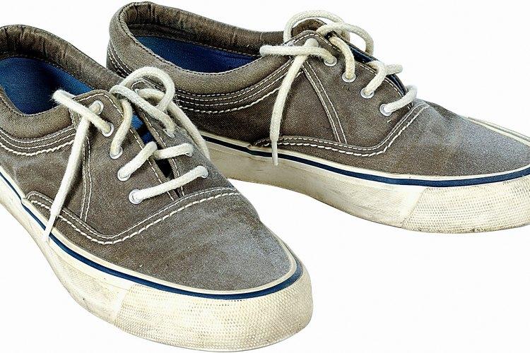 Las suelas de tus zapatillas se vuelven amarillas con el tiempo.