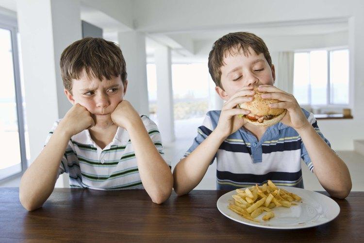 La rivalidad entre hermanos puede hacer que la dinámica familiar sea incómoda.