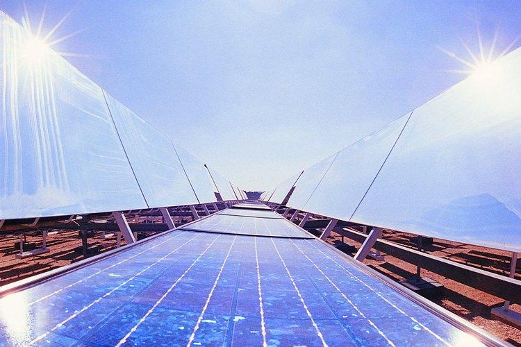 La energía solar canaliza la energía del sol en electricidad que puede ser usada en el hogar.