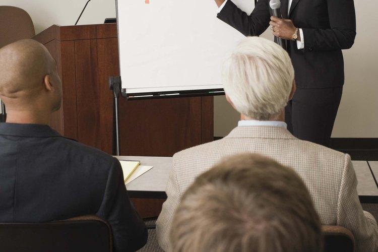 Los estudiantes deben consultar con su instructor antes de elegir un tema de proyecto.