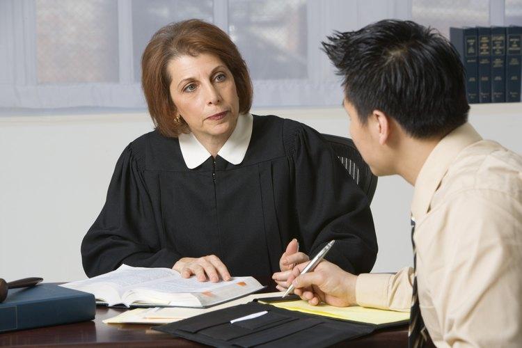 En algunos estados, un juez puede ordenarte el pago de pensión alimenticia.