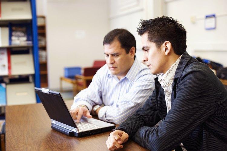 Los enfermos de Asperger con un interés en el mundo académico deben pedir a un profesor de su apoyo si pueden ser aprendices por un día o dos.