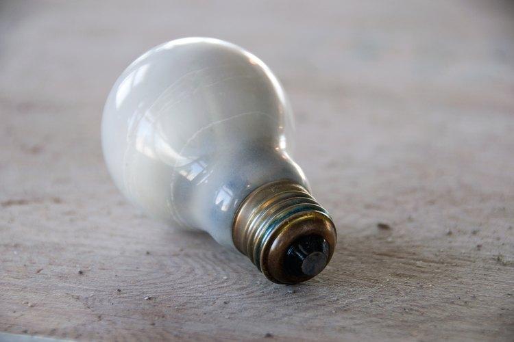La bombilla de luz eléctrica fue inventada en 1878.