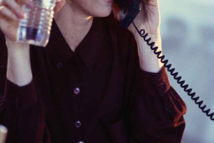 Los auxiliares administrativos manejan los sistemas de comunicación como una forma de aliviar la carga de trabajo de los demás.