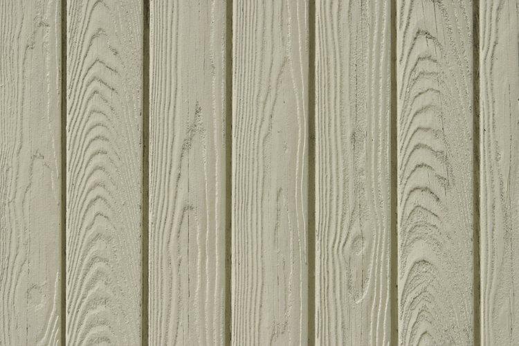 Los paneles de paredes de madera pueden ser enyesados con un compuesto de uniones.