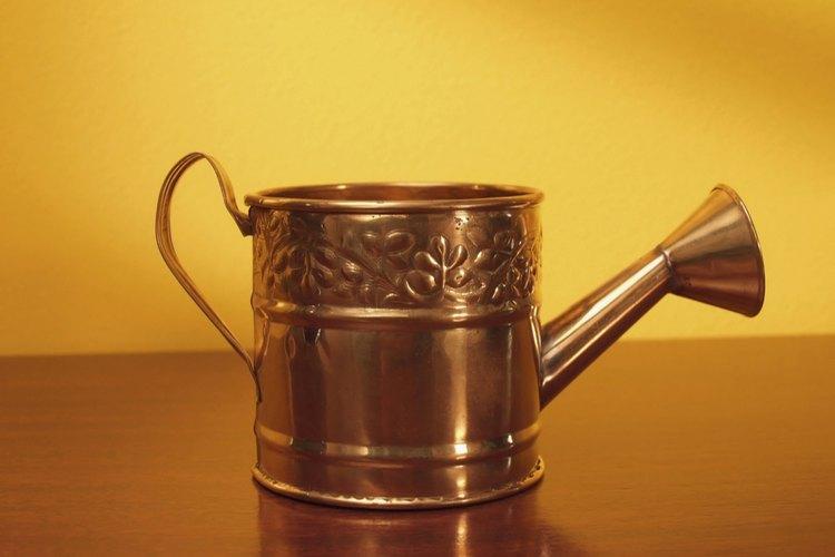 Limpia los objetos de bronce con una solución casera.